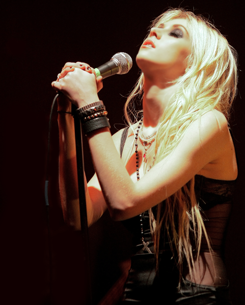 The+Pretty+Reckless++Live