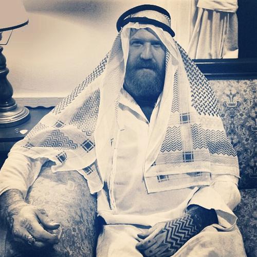 mastodon-brent-hinds-as-a-saudi-billionaire