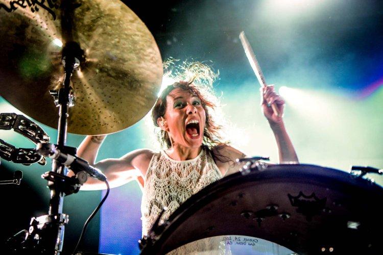 Female-Drummer