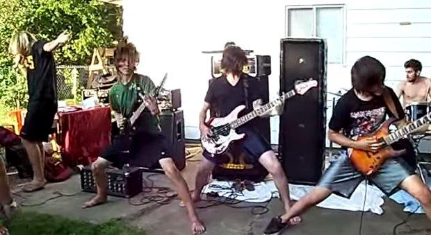attila-live-backyard-2008