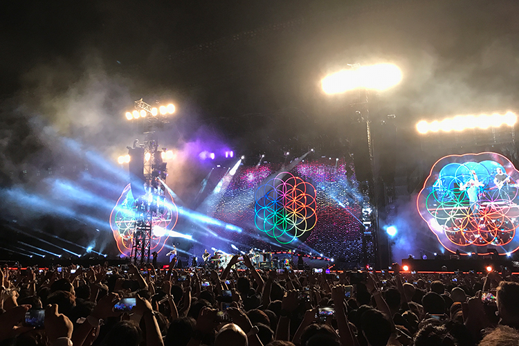 Concert Review: Coldplay Live in Bangkok — คุ้มค่าการรอคอย ...